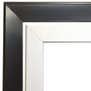 Photo of a snap frame corner